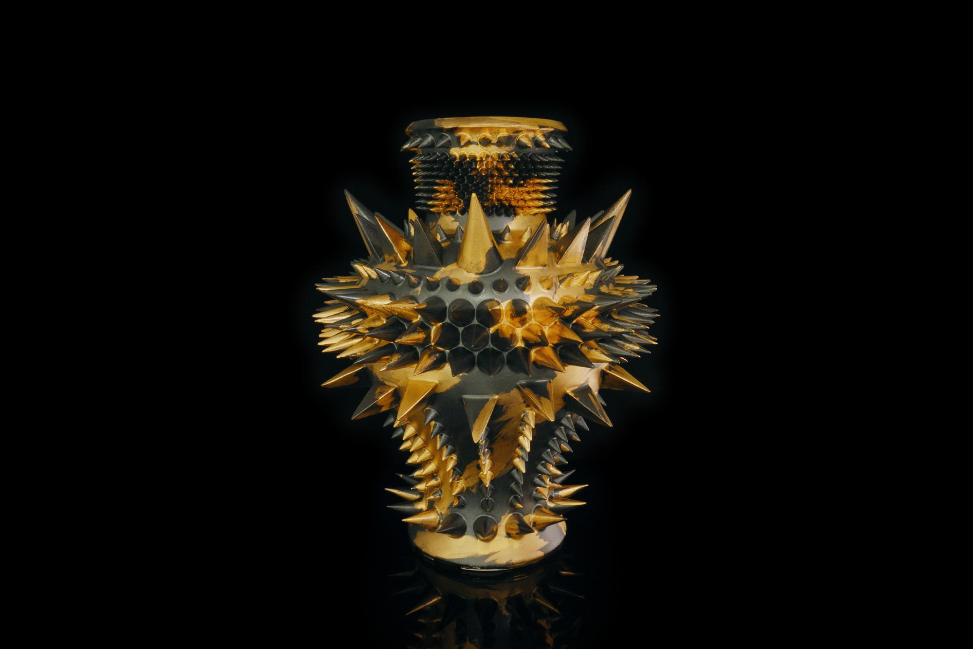 《 SPIKY JAR BLACK GOLD 》